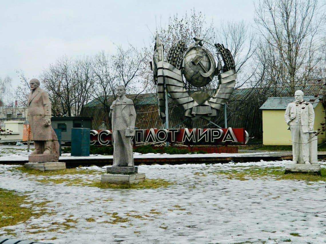 Statue - Memorial