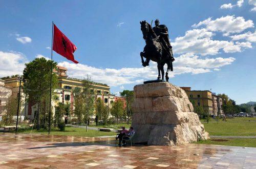 Skanderbeg Square - Skanderbeg Statue