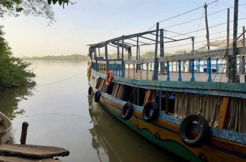Kachikally Crocodile Pool - River Gambie